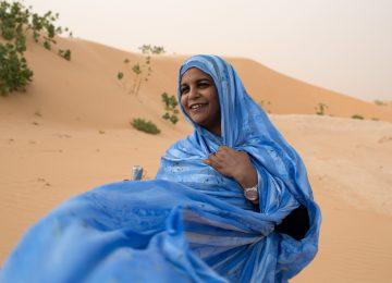 Noura Mint Seymali – Arbina, la tornade pop psychédélique qui souffle sur le Sahara