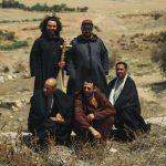 {:fr}Le nouvel album de Bargou08 est un génial mélange de folk saharienne et de synthés funky{:}{:en...