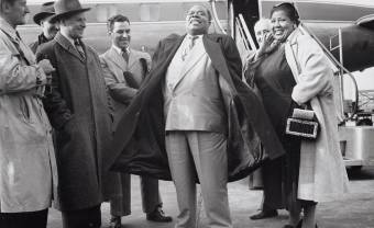 1956: Louis Armstrong lands in Ghana