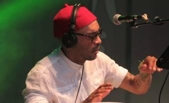 ÌFÉ : la post-rumba spirituelle d'un prêtre et musicien de Porto Rico