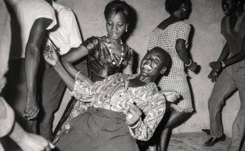Toumani Diabaté fait danser l'expo Mali Twist à la Fondation Cartier