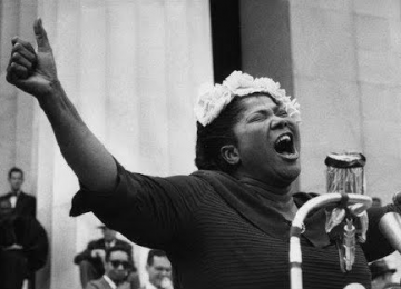 Quand Mahalia Jackson accompagnait Martin Luther King Jr. en chantant