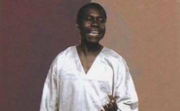 Pourquoi l'album Eseringila a marqué un tournant pour Pierre Akendengué