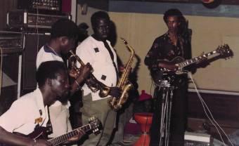 Ostinato Records sort les morceaux les plus psychédéliques du Star Band de Dakar