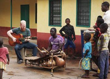 Le grand xylophoniste ghanéen Isaac Birituro collabore avec le producteur anglais Sonny Johns