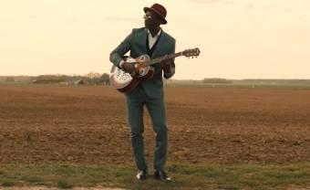 Delgres lance le clip de 'Vivre Sur La Route' avec Jean-Louis Aubert