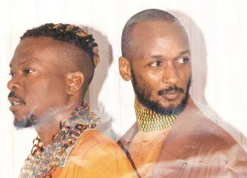 Le duo de future soul ABAKOS revient avec 'Run' et annonce son premier EP