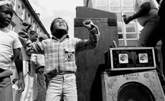 Sound system et résistance : la bande-son des émeutes noires de Brixton en 1981
