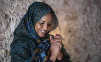 Aziza Brahim announces Sahari, an increasingly global album