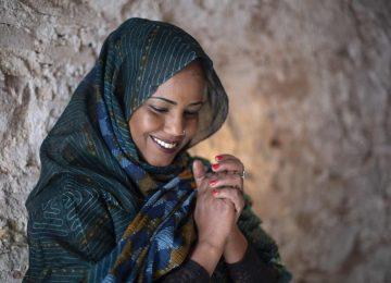 La chanteuse sahraouie Aziza Brahim annonce Sahari, nouvel album pimenté d'électronique