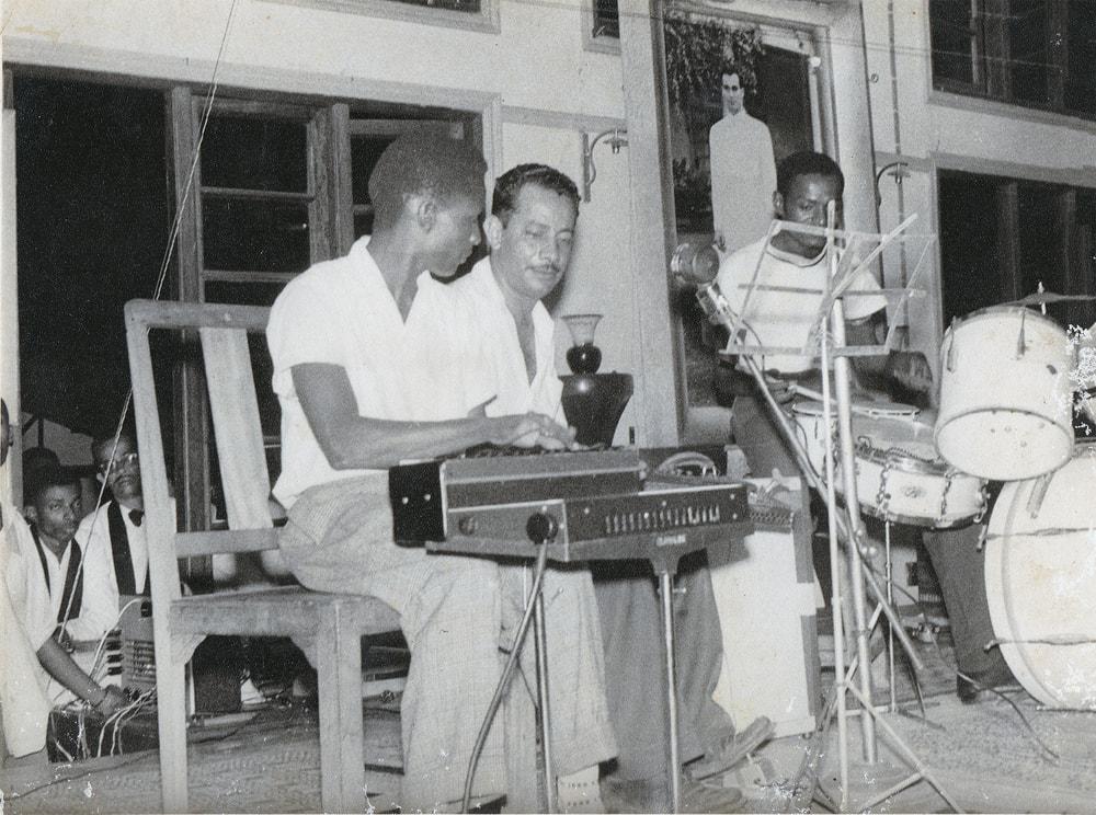 Yaseen band on stage 1960