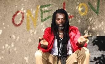 Buju Banton is suspicious of smartphones on new dancehall single 'Trust'