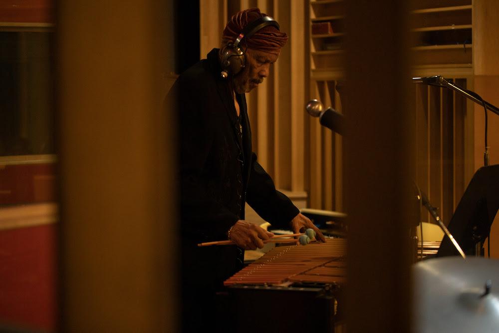 Roy Ayers annonce un nouvel album studio produit par Adrian Younge et Ali Shaheed Muhammad