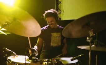 Asher Gamedze, le jazz en mouvement