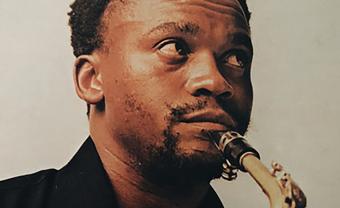 Mr Bongo dévoile une nouvelle compilation cathartique