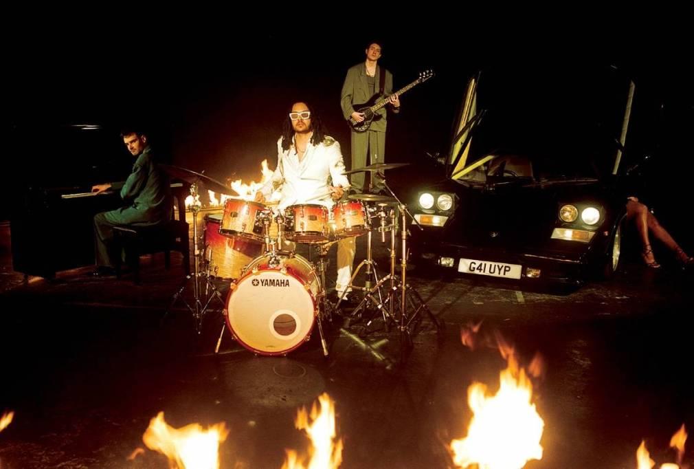 Le Yussef Dayes Trio sort un nouvel album live