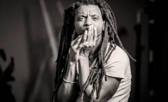 Indy Dibongue, dans le sillage de l'afrobeat