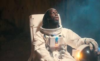 Youssoupha, « Astronaute » au cœur d'Abidjan dans son nouveau clip