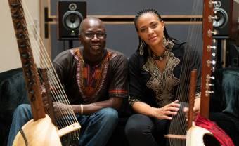 Ballaké Sissoko invite Sona Jobarteh pour un instant de grâce