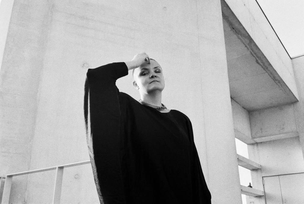 Flore rassemble Deena Abdelwahed, Azu Tiwaline et LCY sur un EP de remixes