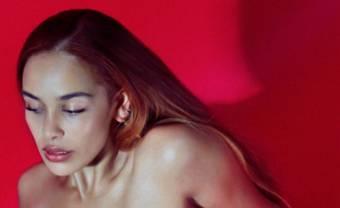 Jorja Smith pleure la perte d'un proche dans « Gone »