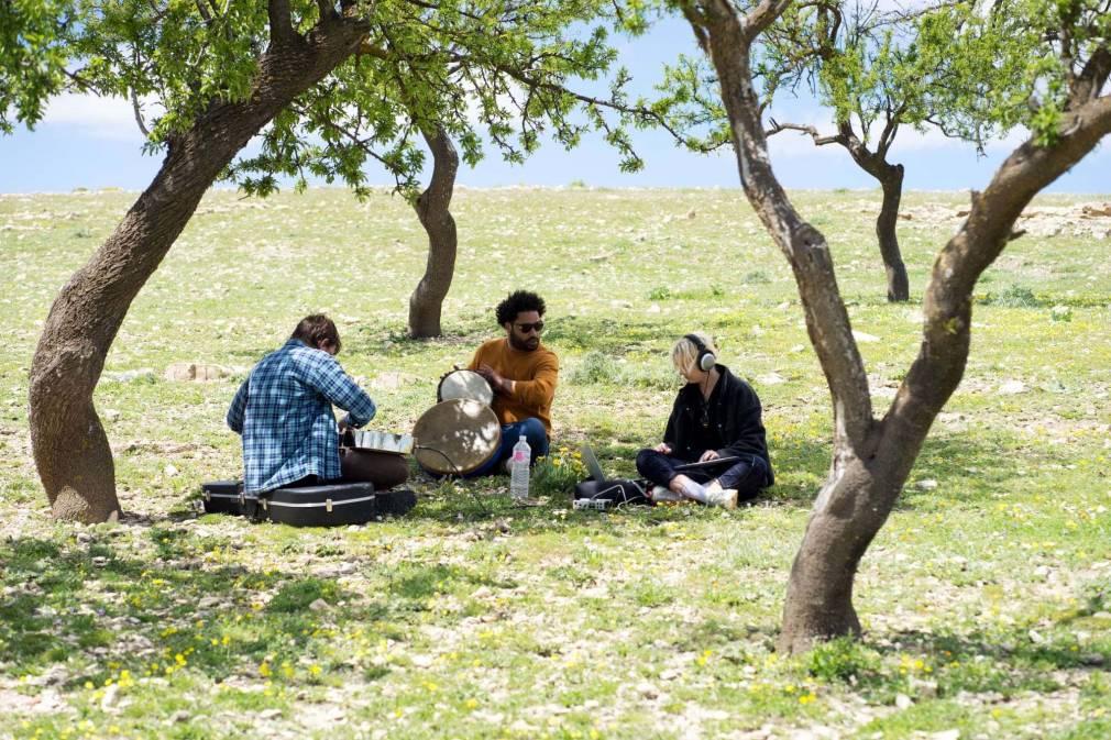 Faire danser les pierres à voile, avec le collectif tunisien Sailing Stones