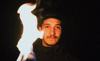 Mesqit visite l'au-delà sur son EP Coffin Sounds