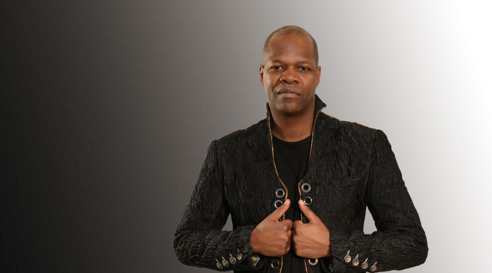 Amobé Mévéguè, homme de médias, de culture et de musique, nous a quittés